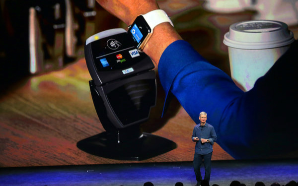apple-watch-pay-150309